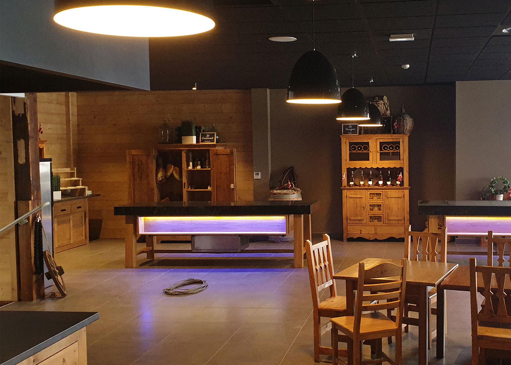 Mise en lumière - Magasin commerce restaurant